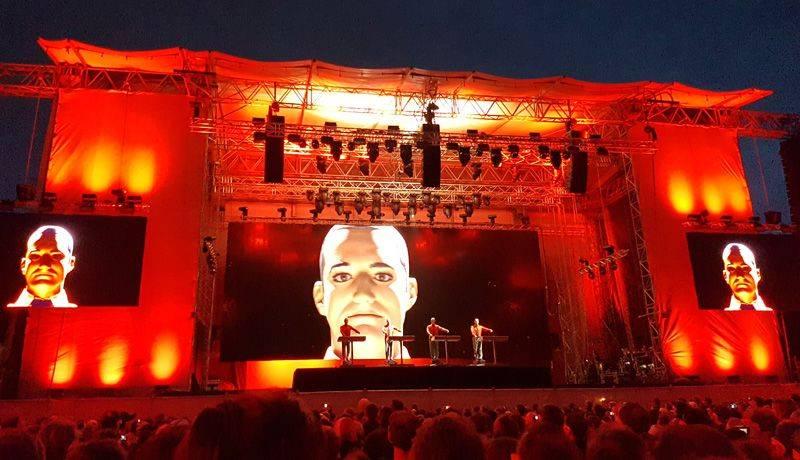 Kraftwerk Düsseldorf 2017 - die Roboter