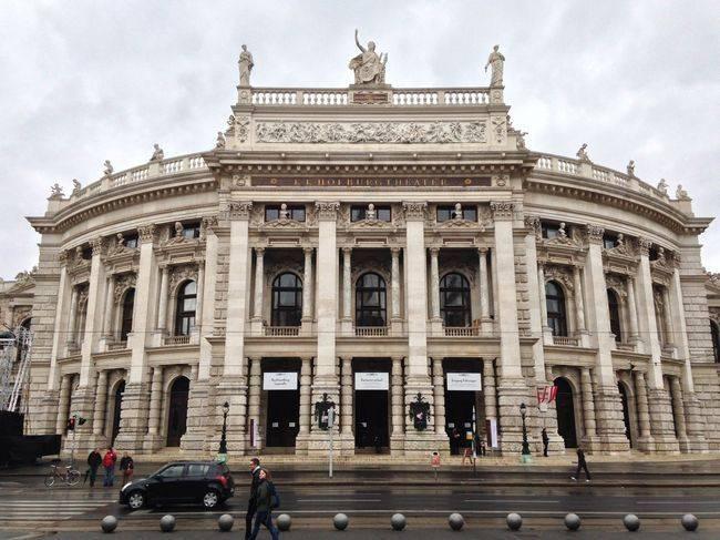 Wien_Kraftwerk_Burgtheater_148